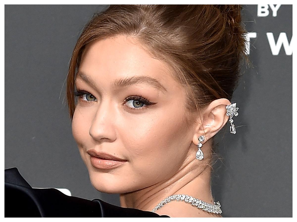 H Gigi Hadid μοιράστηκε μια μεγάλη beauty αλήθεια με όλες τις νέες μαμάδες