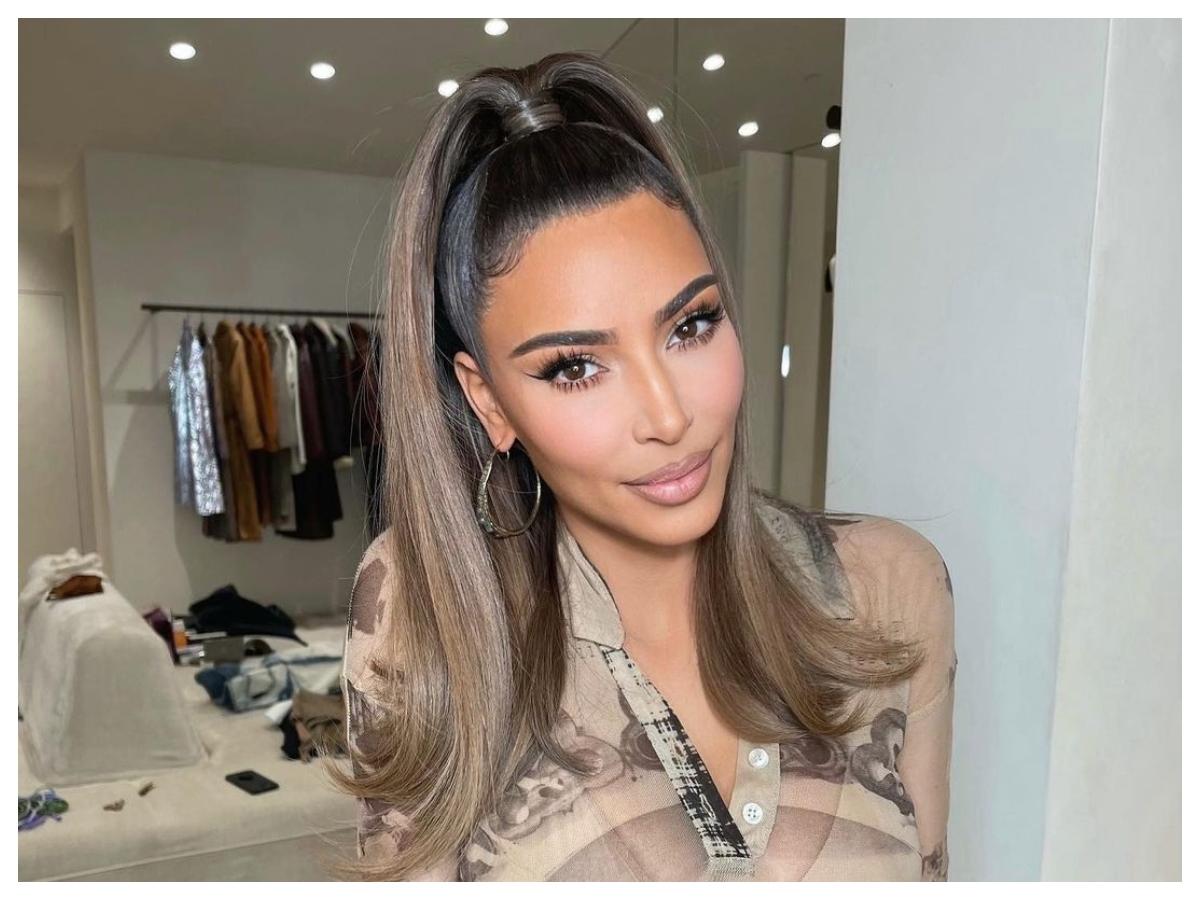 H Kim Kardashian έχει μια πολύ σημαντική beauty ερώτηση για εμάς στα τελευταία της stories