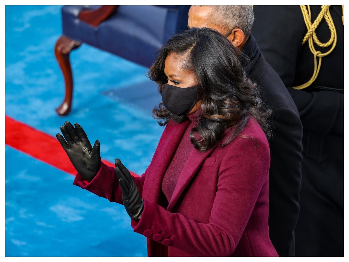 Η hair stylist της Michelle Obama ανέβασε ένα βίντεο που δείχνει πώς έκανε αυτές τις υπέροχες μπούκλες της ορκωμοσίας