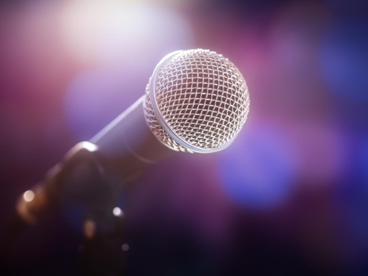 """Γνωστός τραγουδιστής αποκαλύπτει: """"Ο πατέρας μου ήταν αυτόχειρας"""""""