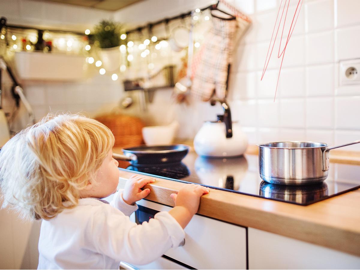 Στο σπίτι: Τα επικίνδυνα αντικείμενα για ένα μικρό παιδί που πρέπει να προσέξεις