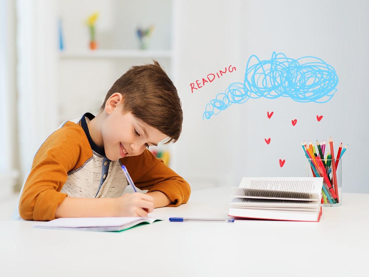 Γιατί είναι καλό να διαβάζει μόνο του για το σχολείο