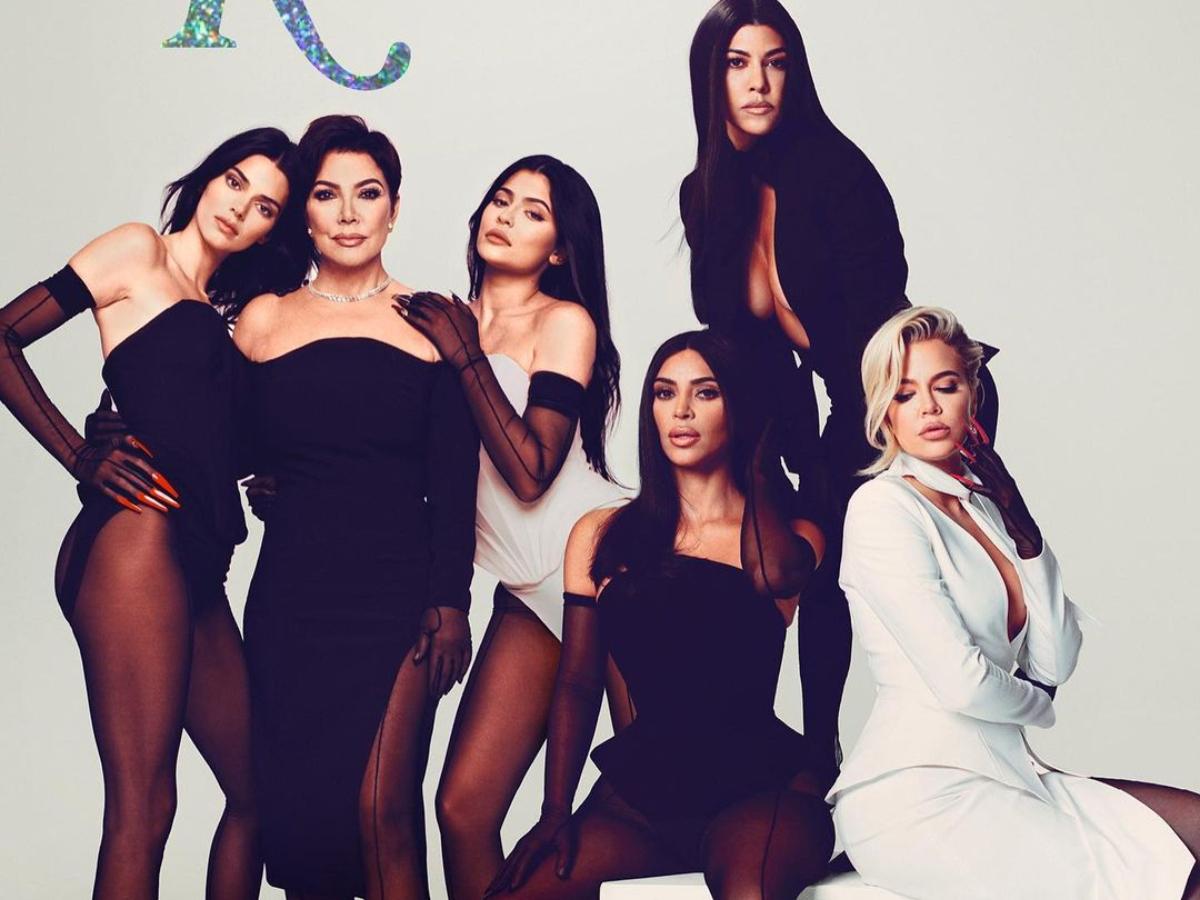 Οι Kardashians φοράνε ήδη το μεγαλύτερο trend του καλοκαιριού