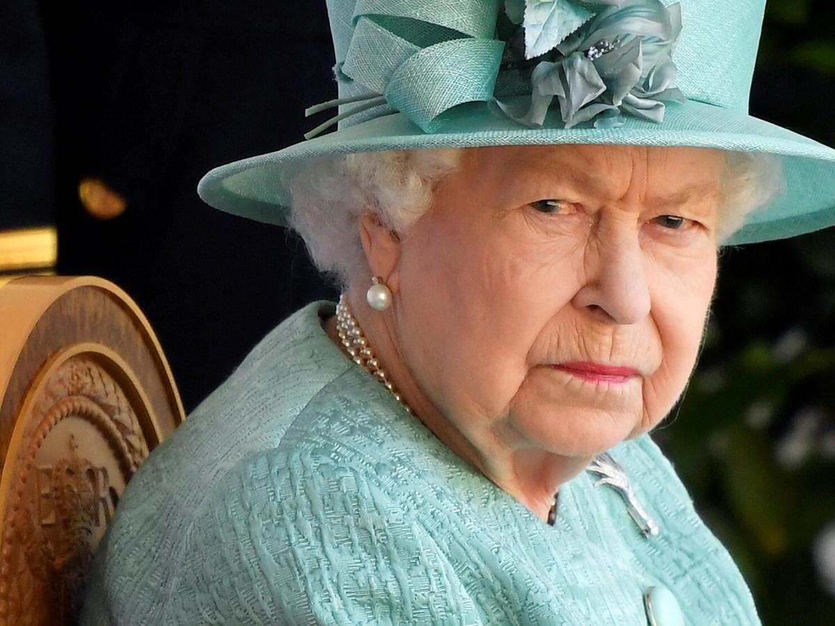 Βασίλισσα Ελισάβετ: Έτσι αντιδρά στη τηλεοπτική συνέντευξη των πρίγκιπα Harry και Meghan Markle