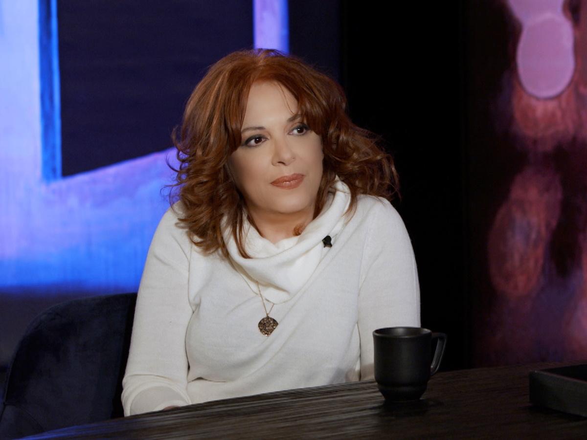 Ελένη Ράντου: Το σοβαρό πρόβλημα υγείας της μητέρας της, οι παρενοχλήσεις και το κεφάλαιο Βασίλης Παπακωνσταντίνου