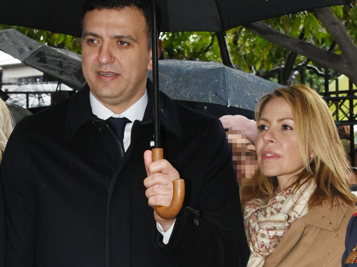 Τζένη Μπαλατσινού – Βασίλης Κικίλιας: Βόλτα με τον δύο μηνών γιο τους