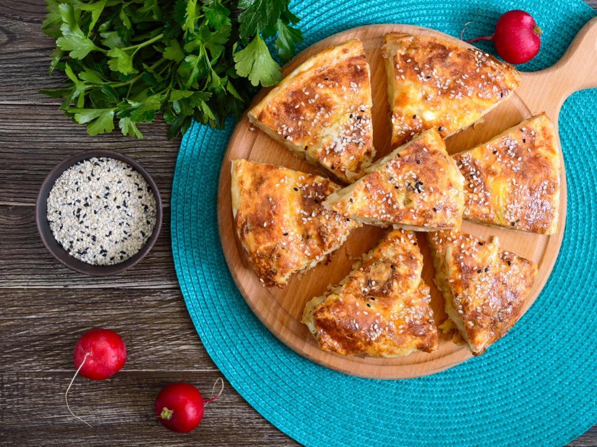 Συνταγή για σπιτική τυρόπιτα με ανθότυρο