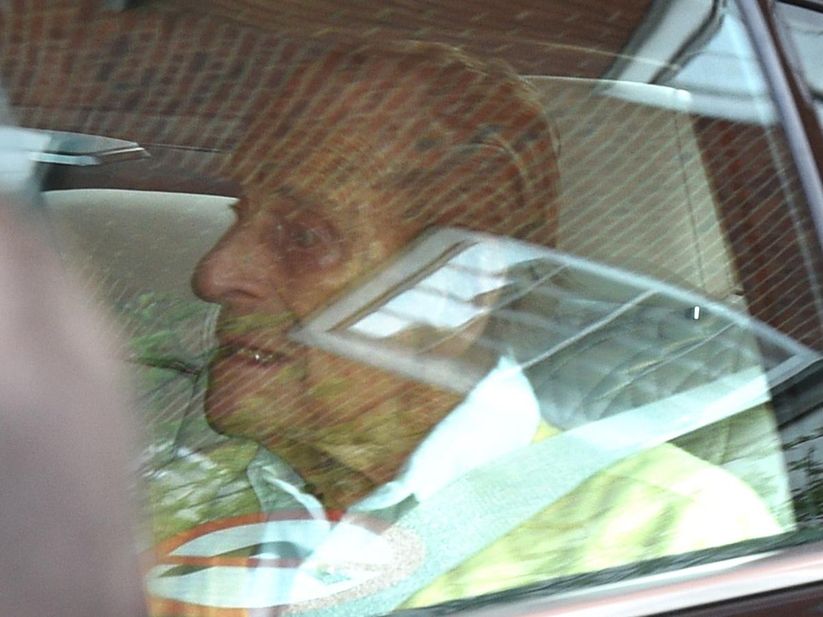 Πρίγκιπας Φίλιππος: Πήρε εξιτήριο από το νοσοκομείο, δύο εβδομάδες μετά την εγχείρηση καρδιάς – Φωτογραφίες