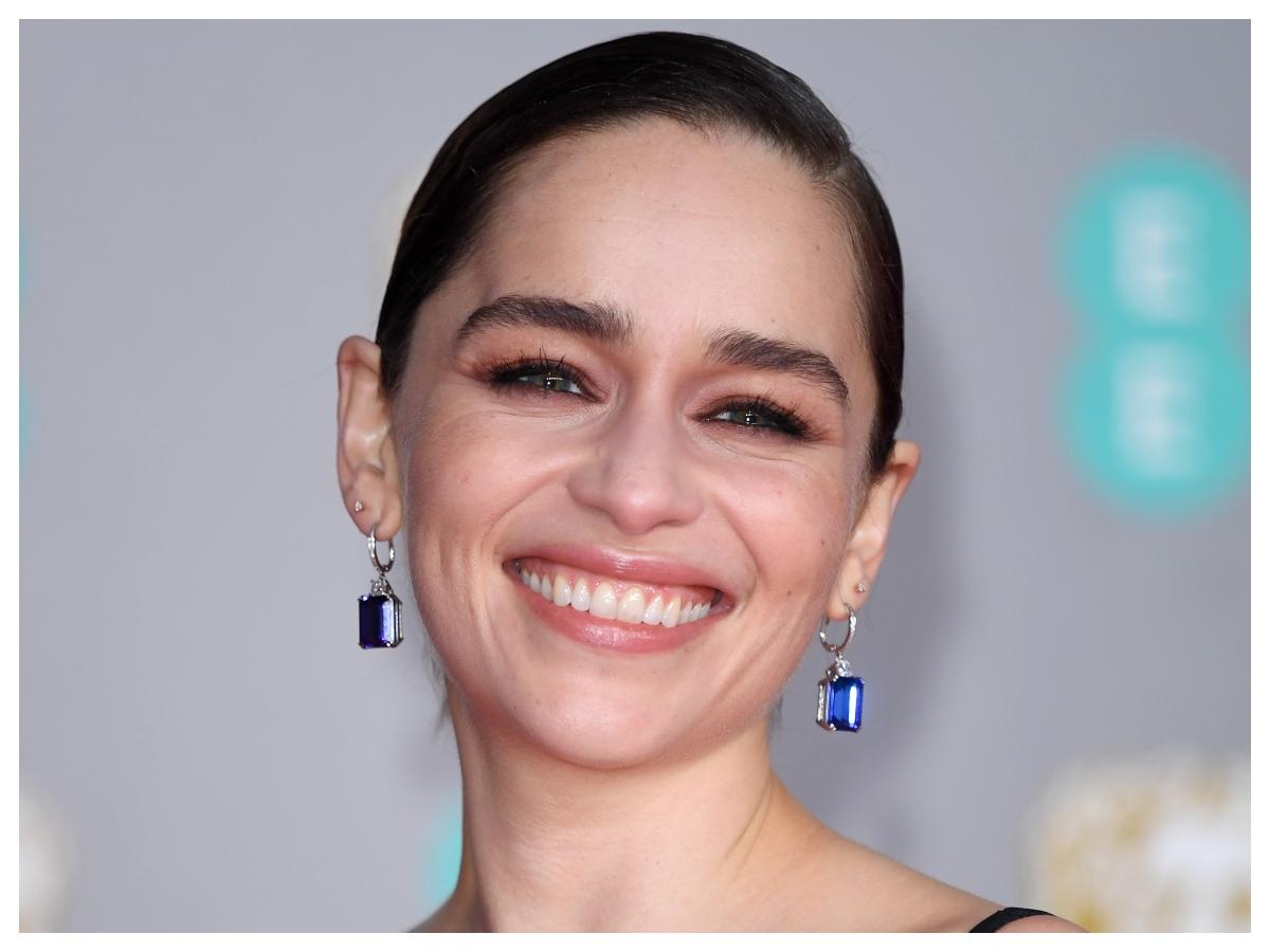 Emilia Clarke: αυτή είναι η πιο ανορθόδοξη beauty συμβουλή που έχουμε ακούσει ποτέ