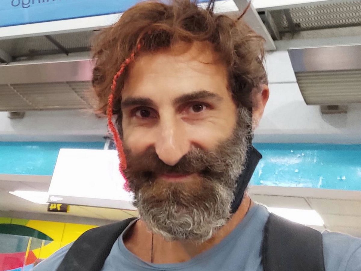 Survivor: Ο Γιώργος Κοψιδάς, απολαμβάνει το σπίτι του – Με ποια ποζάρει αγκαλιά;