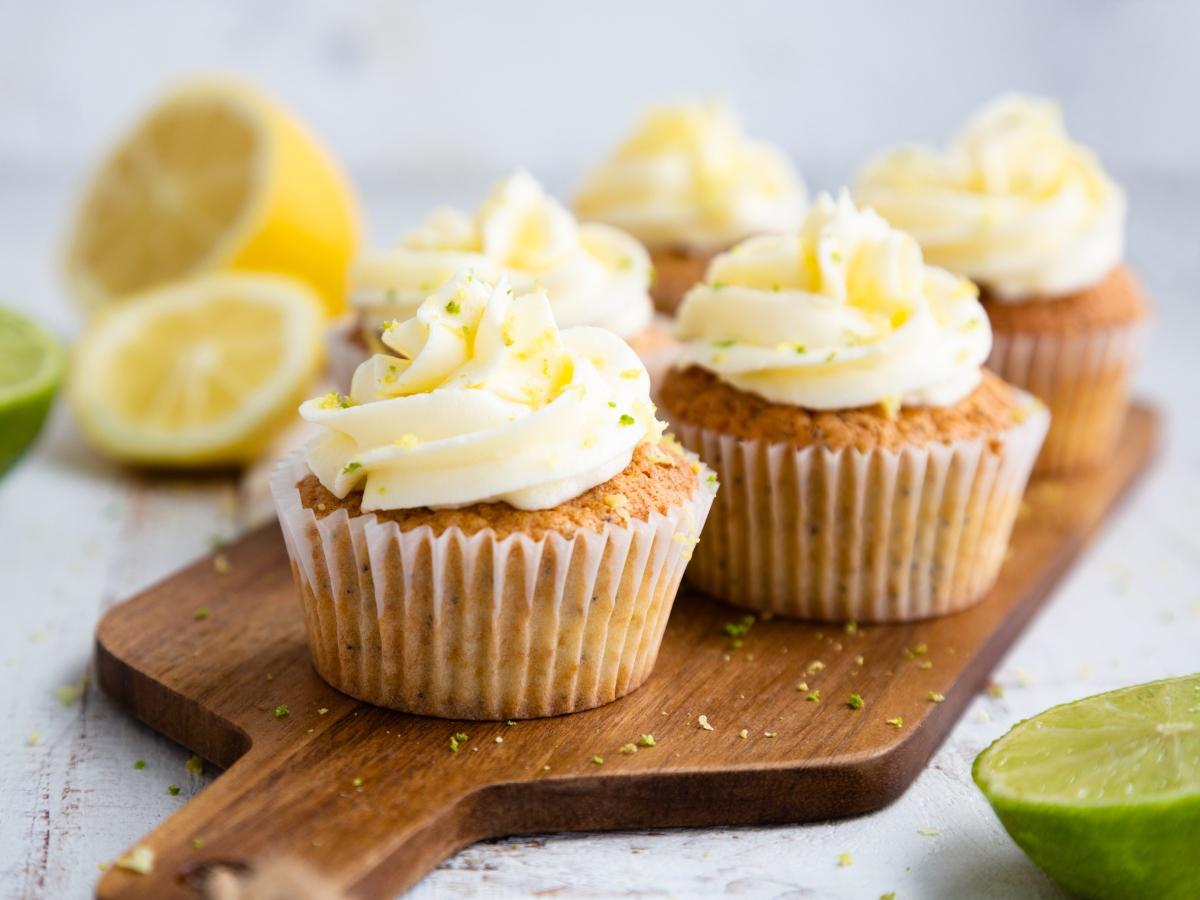 Συνταγή για καπ κέικ με λεμόνι και παπαρουνόσπορο