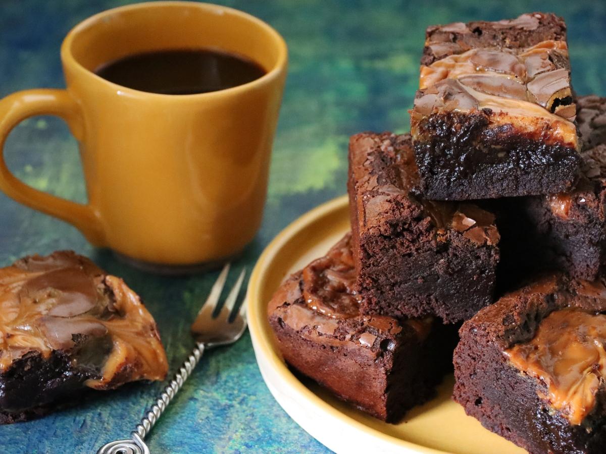 Συνταγή για βελούδινο Brownies με αλμυρή καραμέλα
