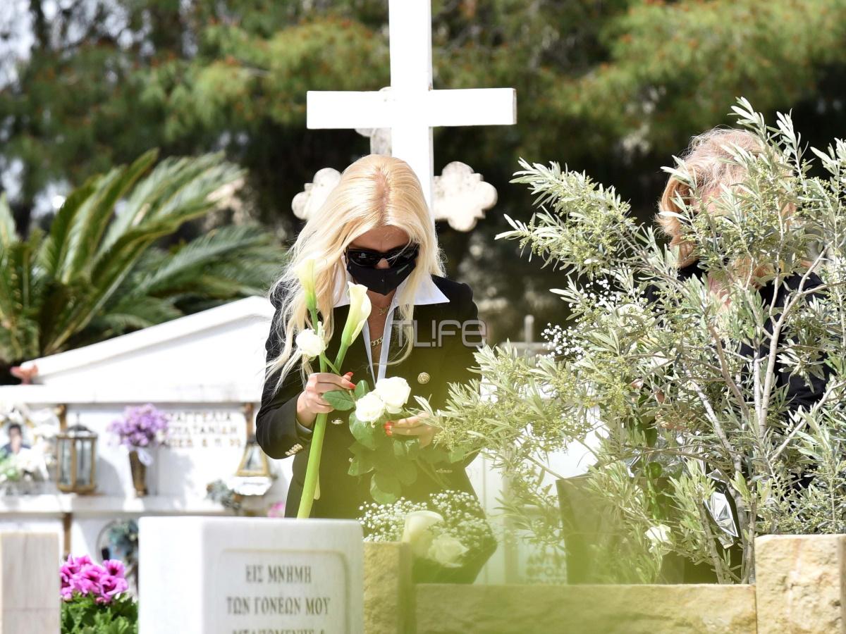 Μαρίνα Πατούλη: Στον τάφο της πεθεράς της για τα εξάμηνα – Θα τελέσουν ξεχωριστά μνημόσυνα με τον Γιώργο Πατούλη