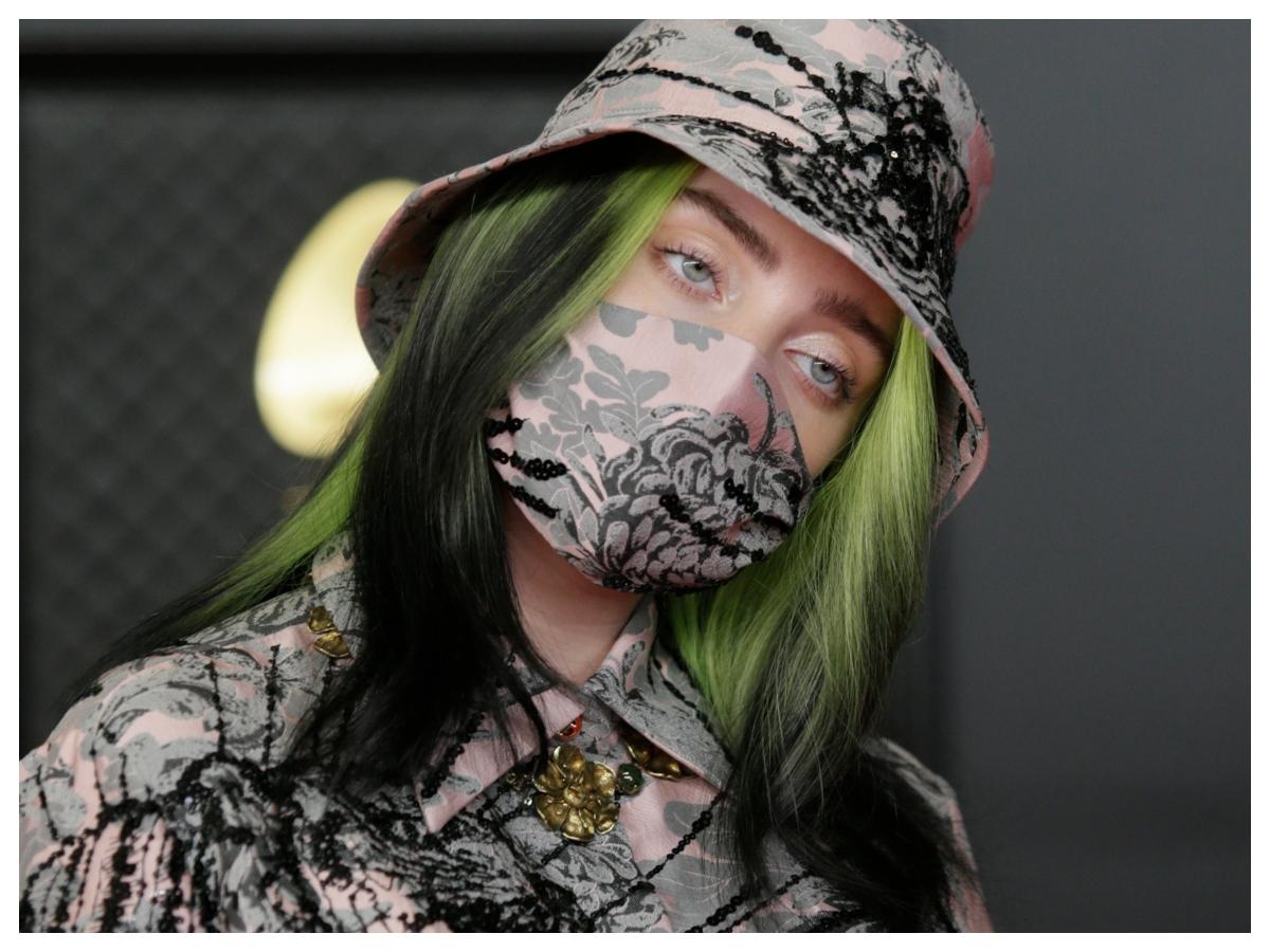 Oh wait! Τα πράσινα μαλλιά της Billie Eilish ήταν περούκα;