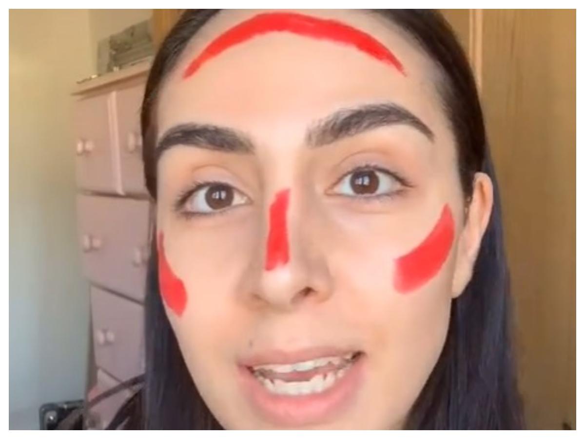 Lipstick blush: Ο απίστευτος τρόπος που απλώνουν το ρουζ στο Tik Tok