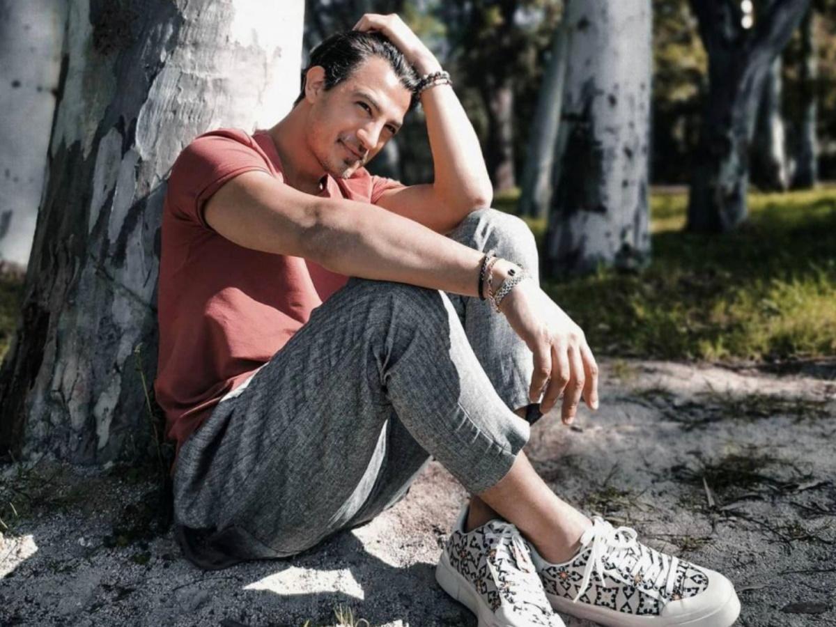 Ο Δήμος Αναστασιάδης στο TLIFE: Το μεγαλύτερο άγχος του ως πατέρας, η τοξική σχέση του παρελθόντος και το νέο τραγούδι