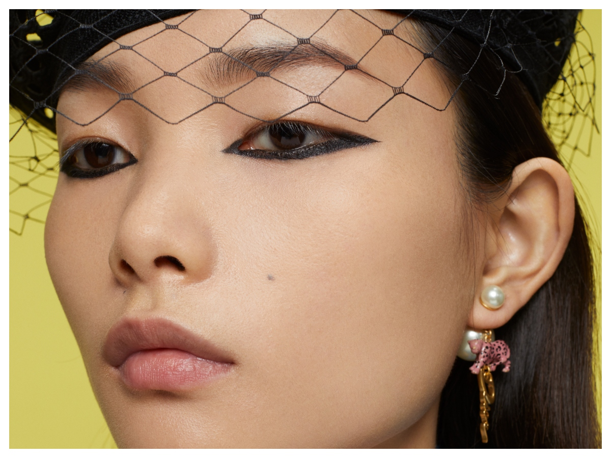 Είναι μόλις άνοιξη αλλά ο οίκος Dior μας έδειξε τη φθινοπωρινή συλλογή μακιγιάζ (και είναι υπέροχη)