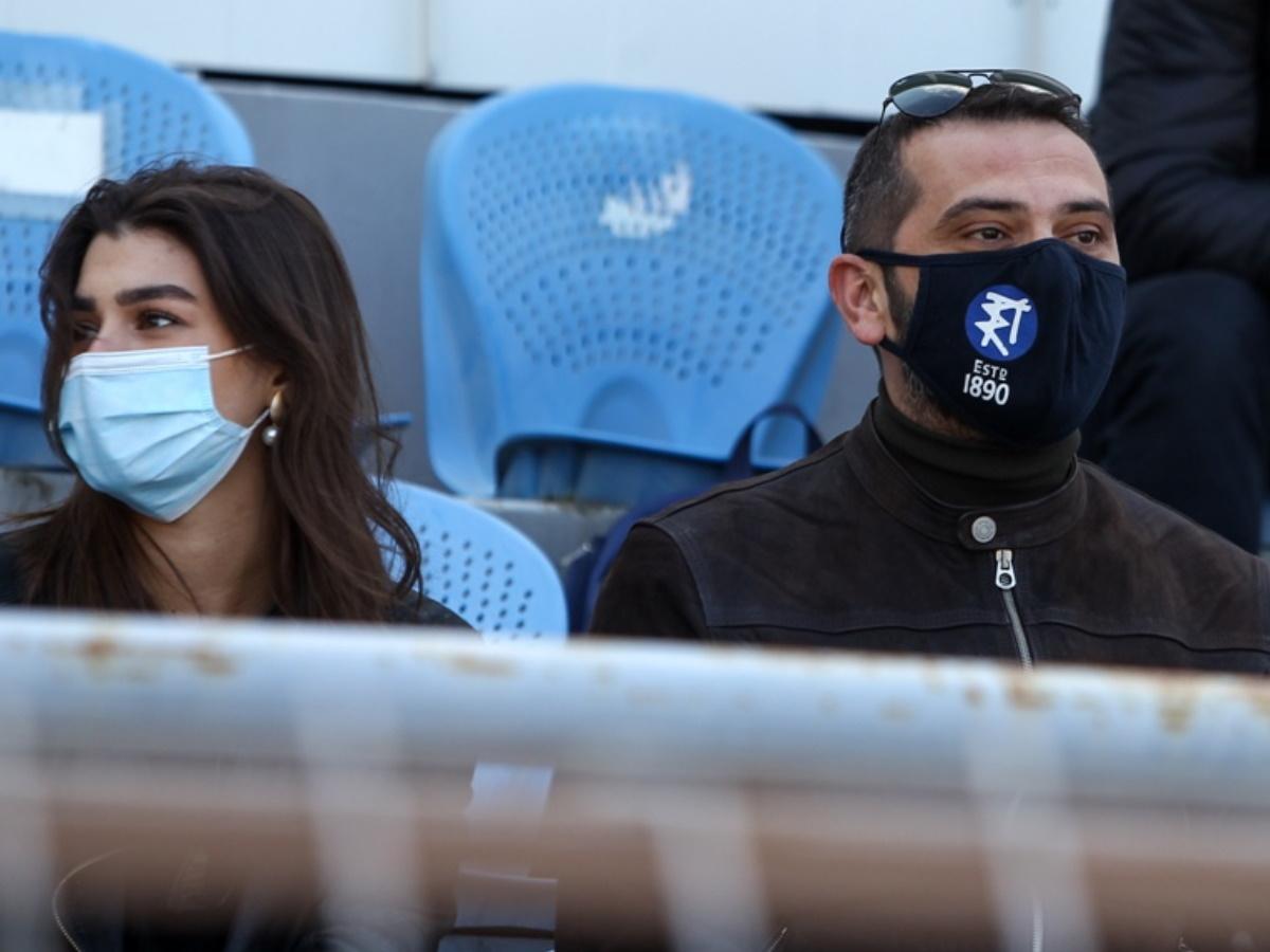 Λεωνίδας Κουτσόπουλος: Στο γήπεδο με τη σύντροφό του, Χρύσα Μιχαλοπούλου – Φωτογραφίες