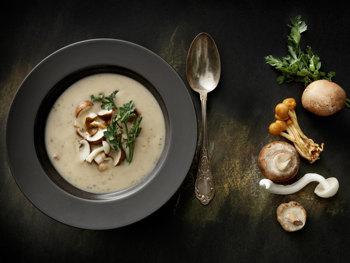 Συνταγή για εναλλακτική νηστίσιμη μαγειρίτσα με μανιτάρια