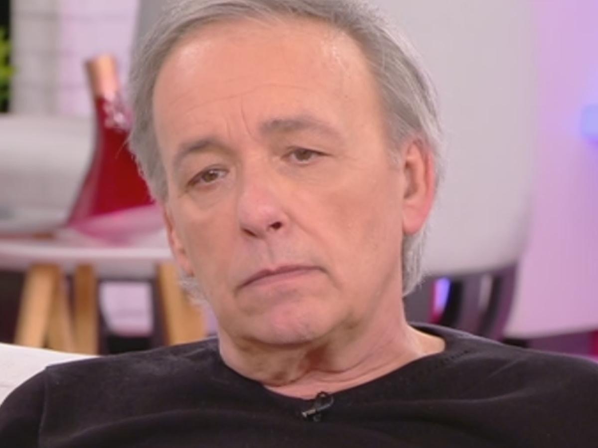 Ανδρέας Μικρούτσικος: Λύγισε on air μιλώντας για τον αδερφό του, Θάνο Μικρούτσικο