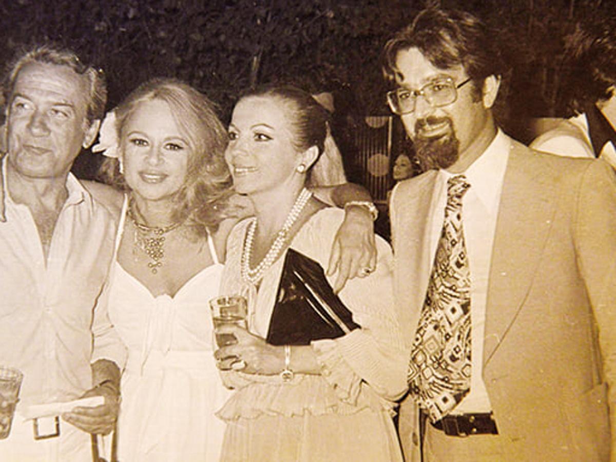 Τάκης Βουγιουκλάκης: Το συγκινητικό αντίο από το Σπίτι του ηθοποιού με σπάνιες φωτογραφίες