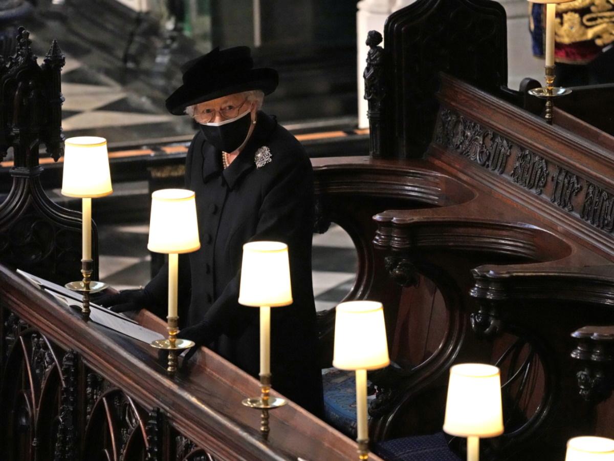Πρίγκιπας Φίλιππος: Η πιο συγκλονιστική στιγμή από την κηδεία του με τη Βασίλισσα Ελισάβετ – Φωτογραφίες