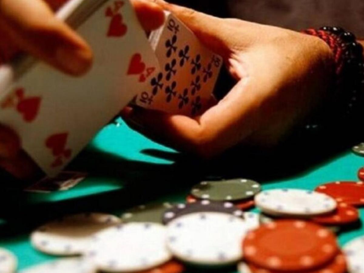 Συνελήφθη για δεύτερη φορά γνωστός τραγουδιστής σε μίνι καζίνο – Βίντεο ντοκουμέντο