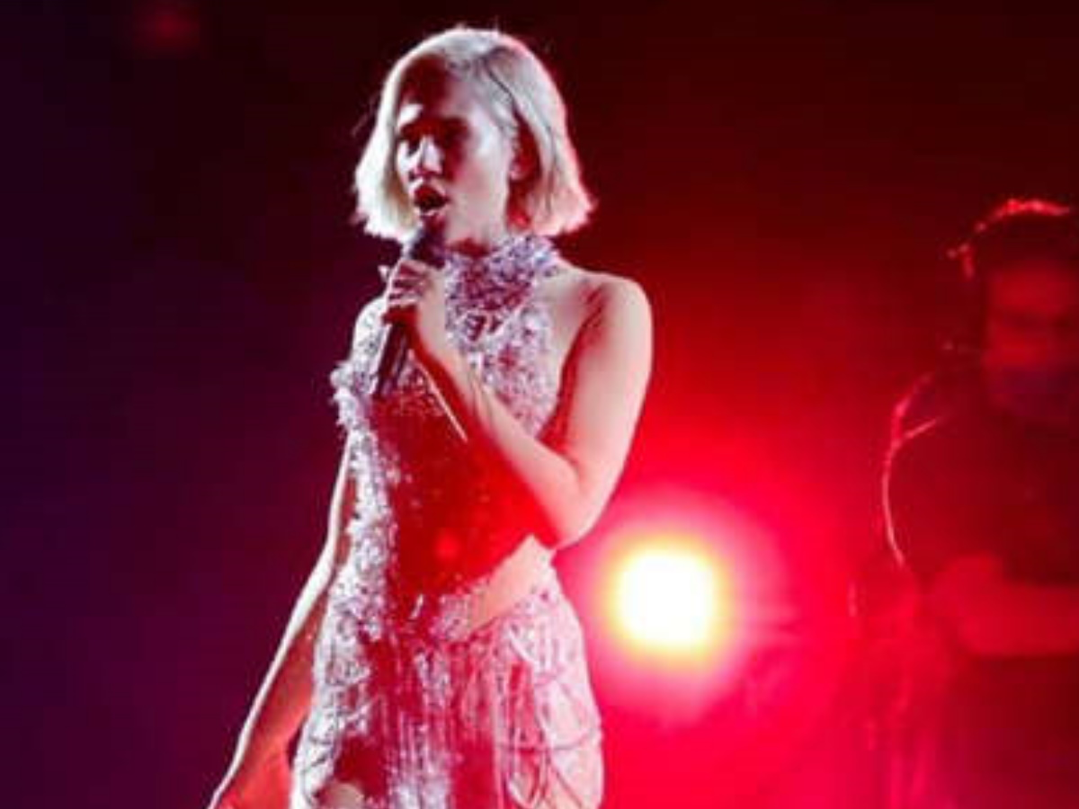 Eurovision 2021: Έλενα Τσαγκρινού – Η αντίδρασή της όταν είδε την ομοιότητα με την εμφάνιση της Μολδαβίας