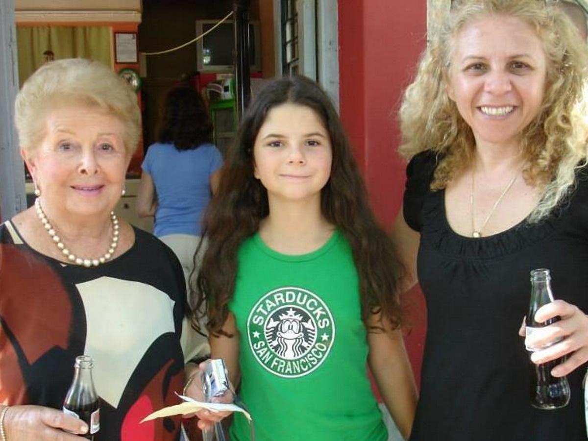 """Βέφα Αλεξιάδου: Ραγίζει καρδιές το μήνυμα στην εγγονή της που έγινε 18 – """"Η μανούλα σου σε καμαρώνει από ψηλά"""""""