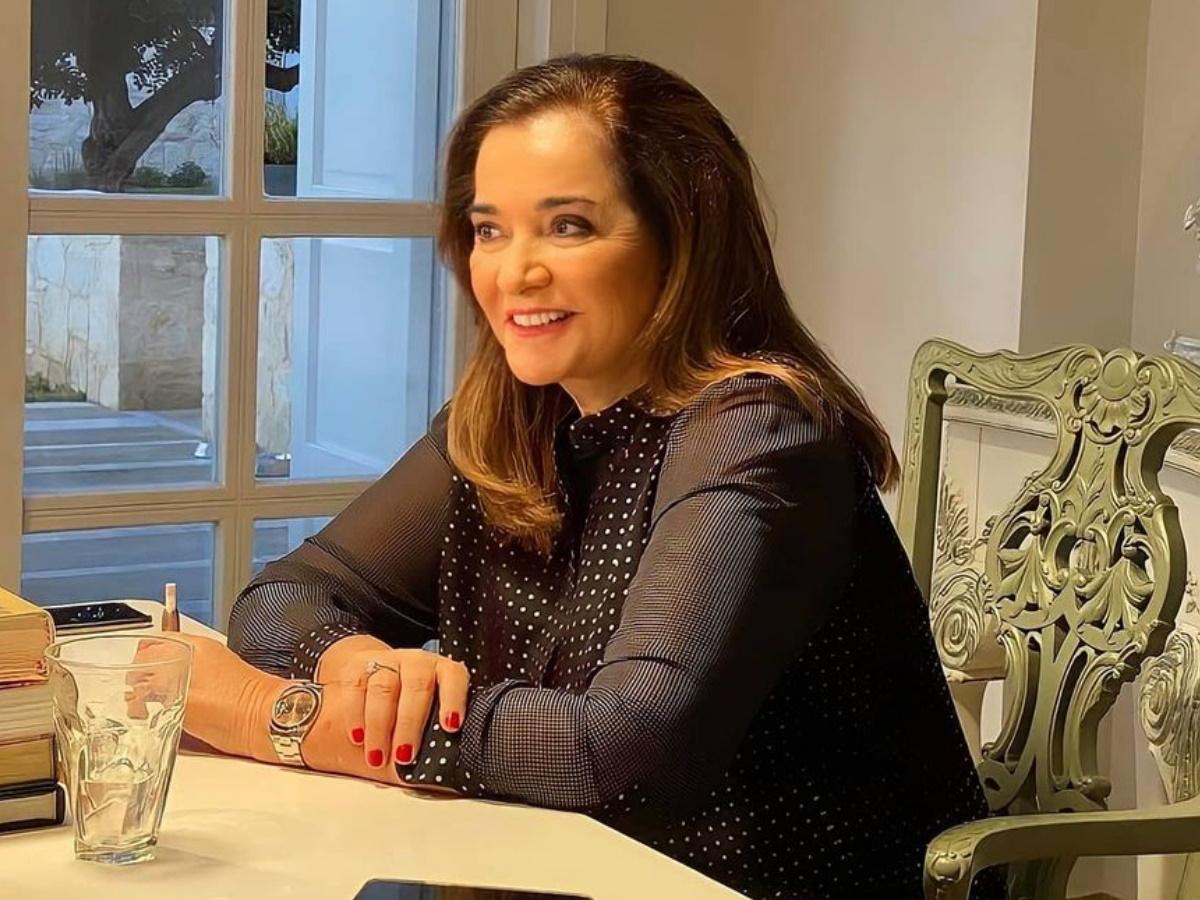 Ντόρα Μπακογιάννη: Ο Κώστας Μπακογιάννης, η Σία Κοσιώνη και ο κεραυνοβόλος έρωτας με τον Παύλο Μπακογιάννη