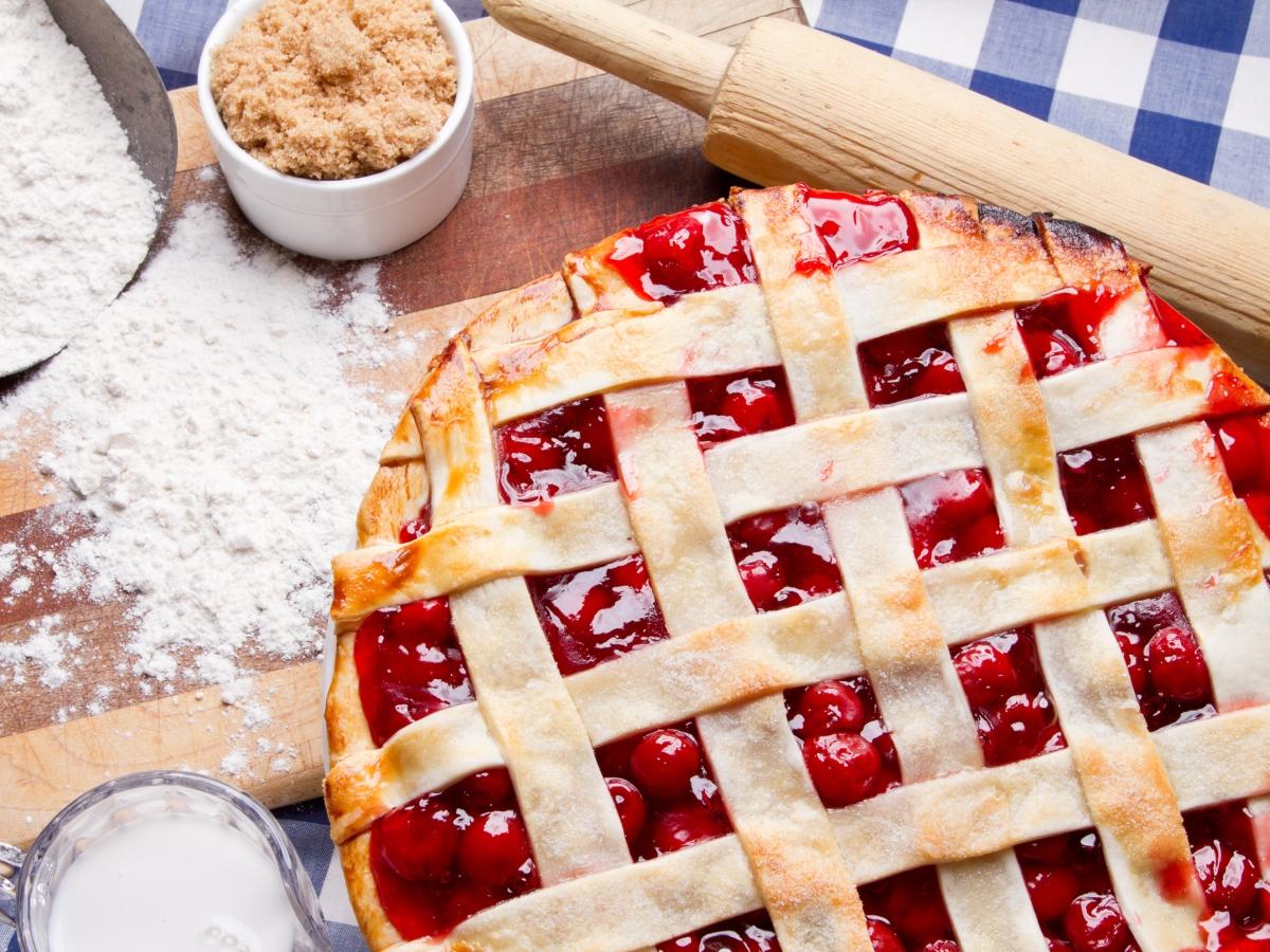 Συνταγή για γλυκιά πίτα με κεράσια