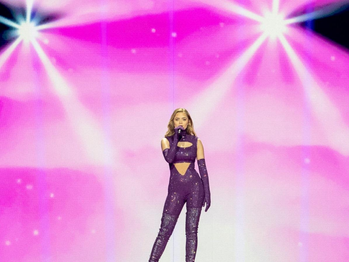 Eurovision 2021 – Στεφανία Λυμπερακάκη: Εντυπωσίασε με την εμφάνισή της στο Β' Ημιτελικό