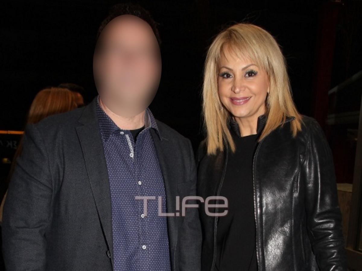 Τέτα Καμπουρέλη: Χωρίζει από τον σύζυγό της; – Τι απαντά η ίδια στο TLIFE