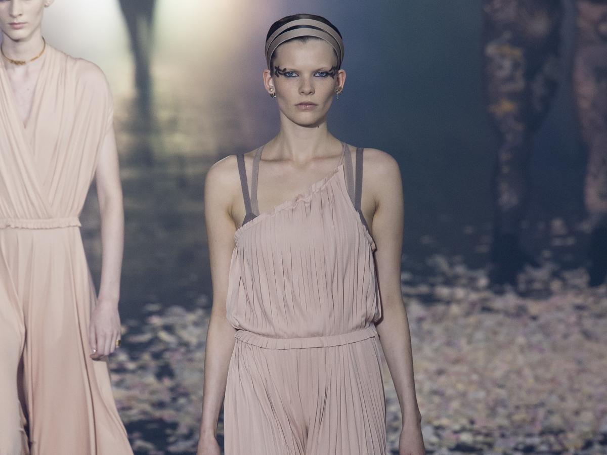 Η πρόσκληση του οίκου Dior για το show που θα γίνει στο Καλλιμάρμαρο
