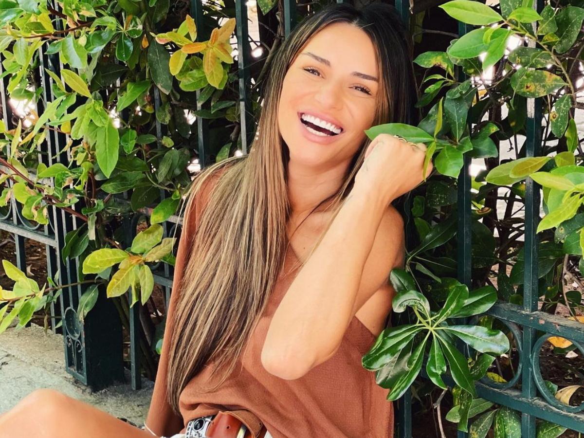"""Ελένη Τσολάκη: Αυτός είναι ο τραγουδιστής που δέχτηκε πρόταση για να βρίσκεται μαζί της στο """"Καλοκαίρι #not"""""""
