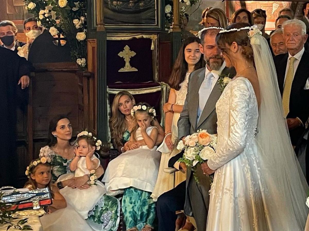 Αντώνης Λαιμός – Μαρίκα Αράπογλου: Εντυπωσιακή η νύφη στο πλευρό του γαμπρού – Νέες φωτογραφίες