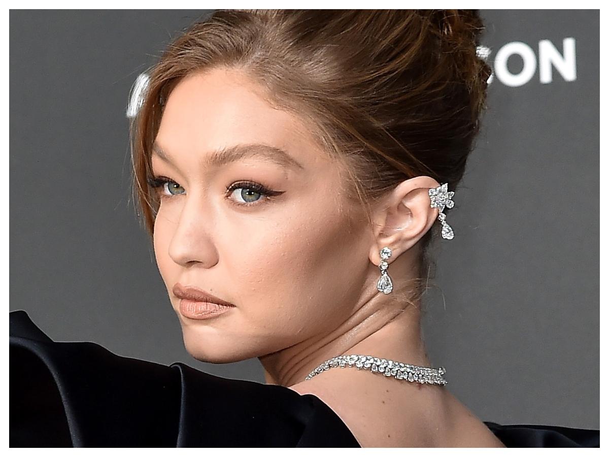 Έχουμε δει τη Gigi Hadid με εκατοντάδες μακιγιάζ αλλά αυτό είναι το αγαπημένο μας