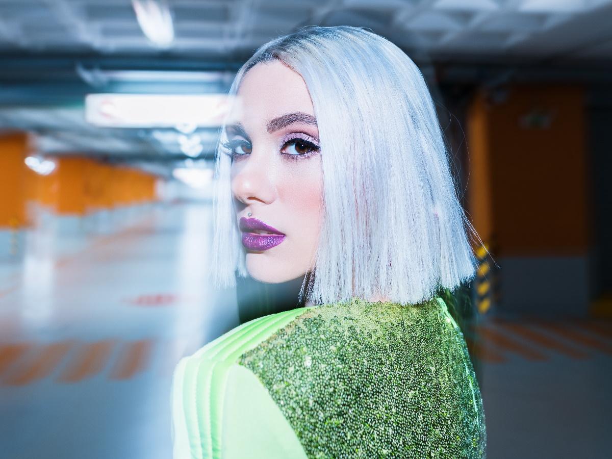"Joanne, η νικήτρια του The Voice στο TLIFE: ""Η Έλενα Παπαρίζου είναι πολύ βοηθητική μαζί μου"""