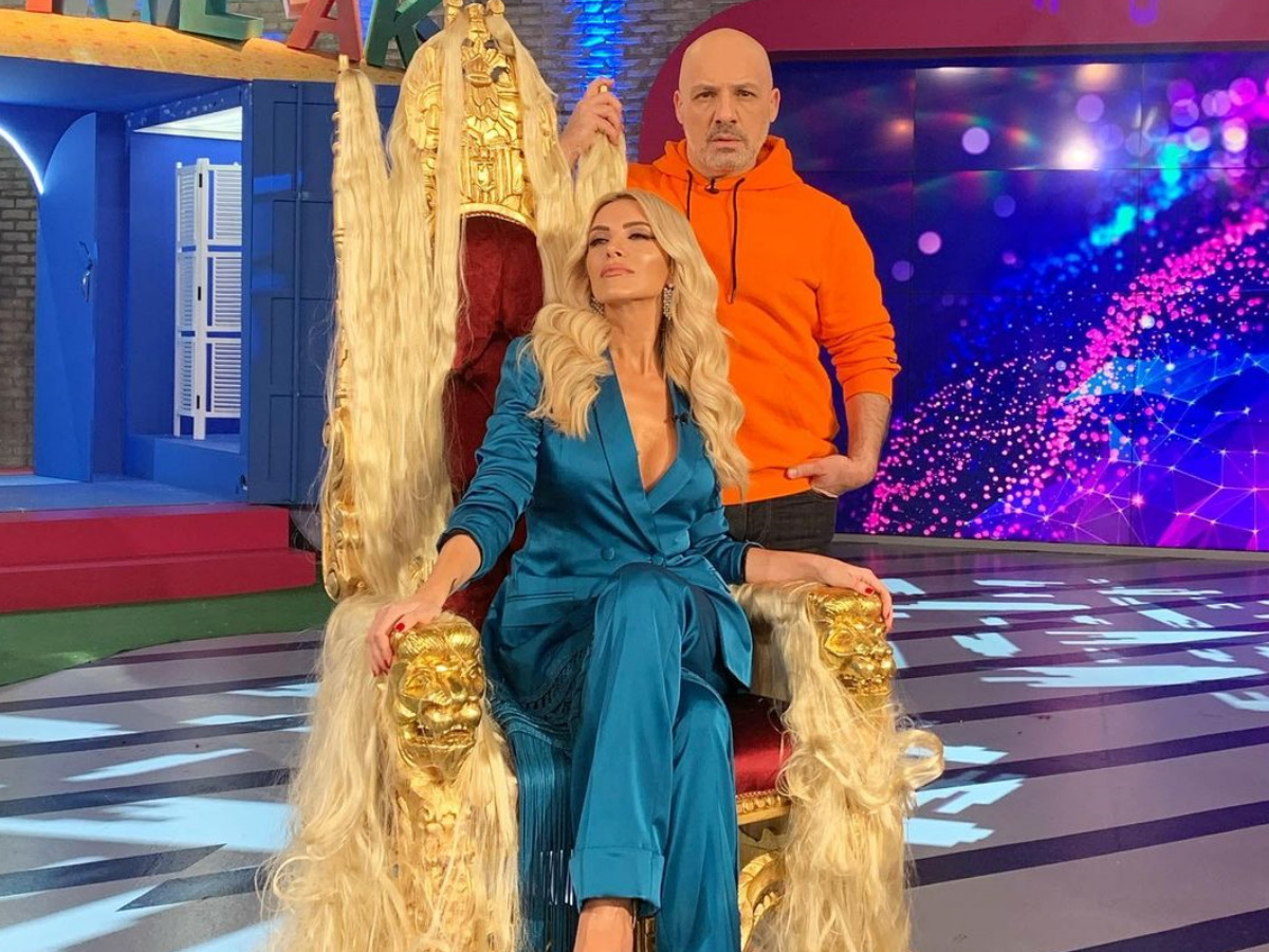 Νίκος Μουτσινάς: Οι on air σπόντες στην Κατερίνα Καινούργιου για το τηλεοπτικό της μέλλον