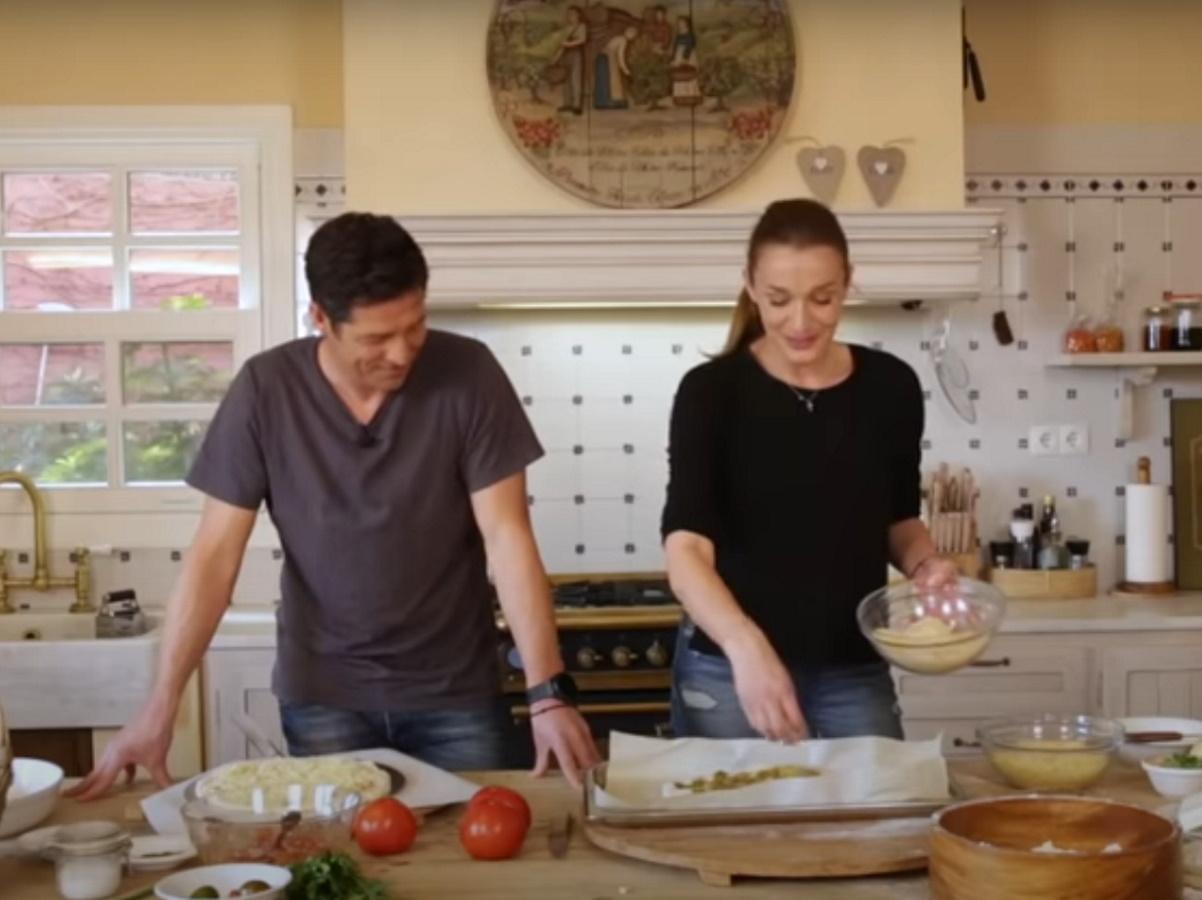 Κάτια Ζυγούλη – Αποστόλης Ρουβάς: Μπήκαν μαζί στην κουζίνα και ετοίμασαν μια πεντανόστιμη συνταγή