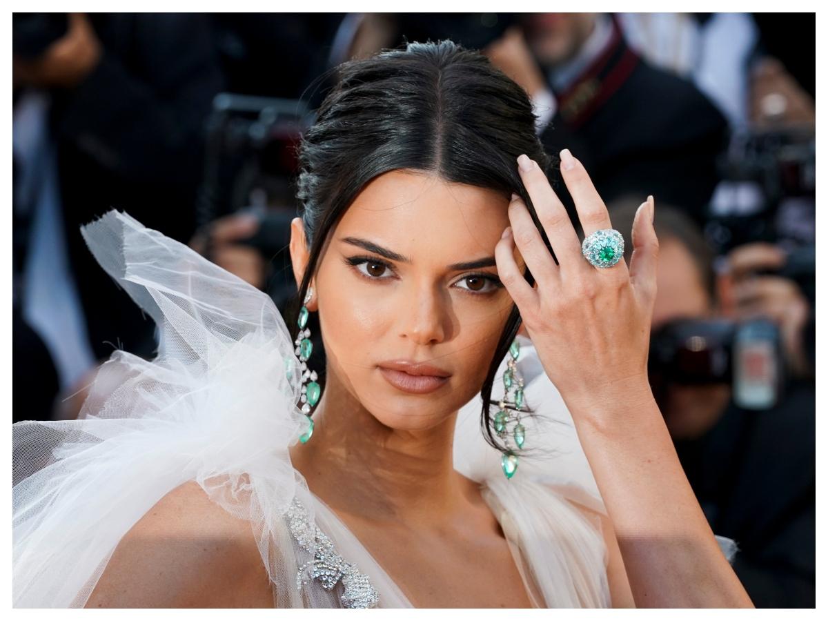 Tortoiseshell Nail Art Trend: το πιο πρόσφατο μανικιούρ της Kendall Jenner μπορείς να το κάνεις και μόνη σου!