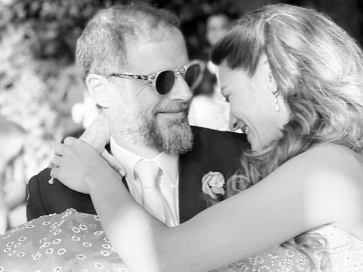 Αντώνης Λαιμός – Μαρίκα Αραπόγλου: Φωτογραφίες από τον γάμο τους στο Πάπιγκο