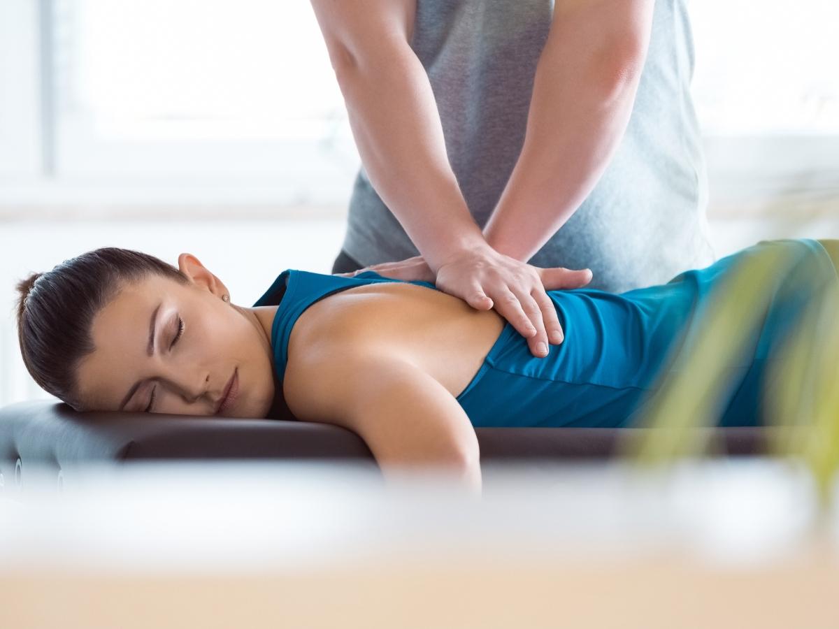 Φυσικοθεραπεία: Πώς συμβάλλει στην υγεία μας;