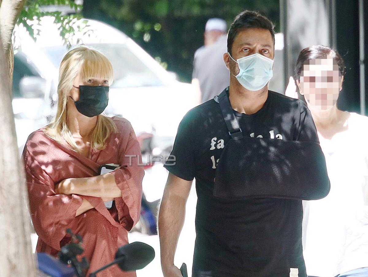 Γιώργος Θεοφάνους: Η πρώτη δημόσια εμφάνιση με τη σύζυγό του, μετά το ατύχημα στο χέρι