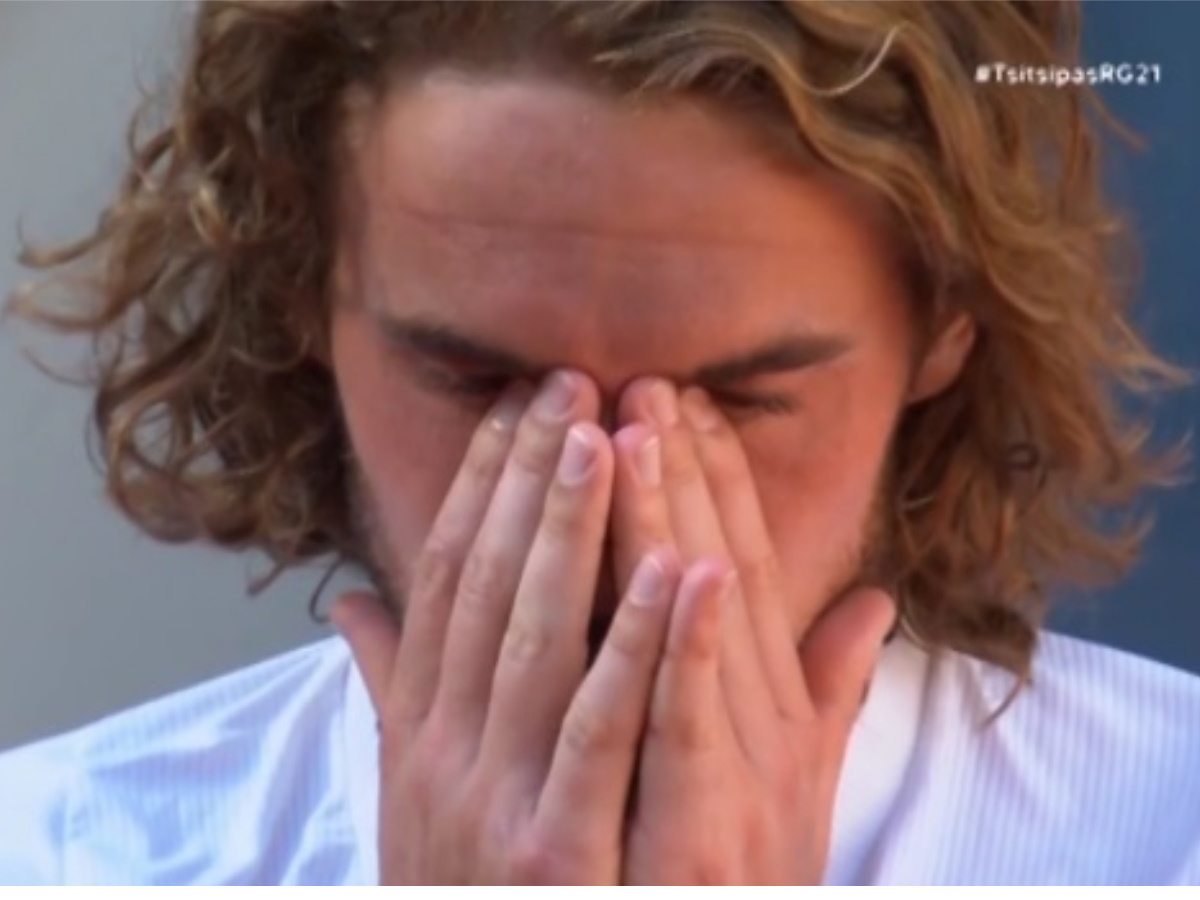 """Στέφανος Τσιτσιπάς: """"Λύγισε"""" μετά την πρόκρισή του στο Roland Garos"""