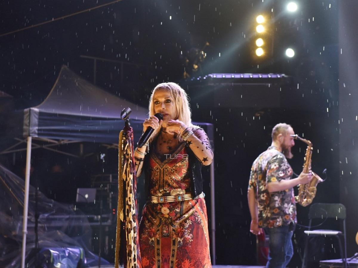 Άννα Βίσση: Αυτό είναι το πιο συγκινητικό βίντεο από τη πρώτη συναυλία της υπό βροχή