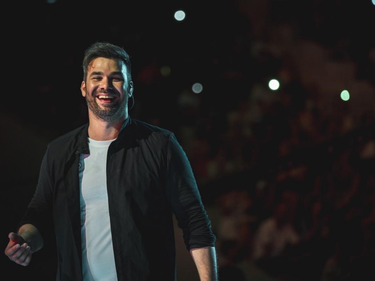 Γιώργος Σαμπάνης: Αποθεώθηκε από το κοινό της Αθήνας στις 2 sold out συναυλίες του στο Θέατρο Πέτρας