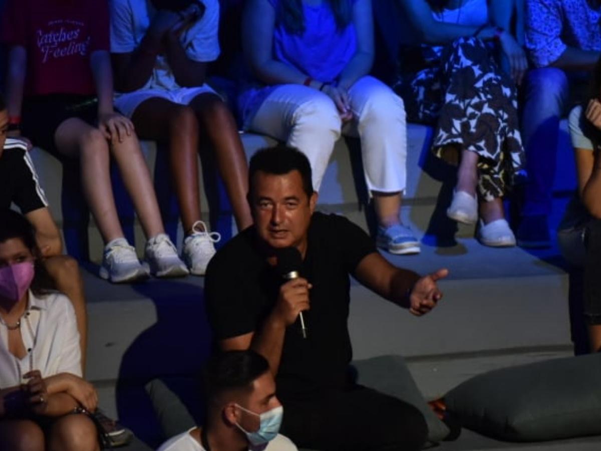 Survivor Τελικός: Το μήνυμα του Ατζούν Ιλίτζαλι στον Σάκη Τανιμανίδη και τη Χριστίνα Μπόμπα για τα δίδυμα