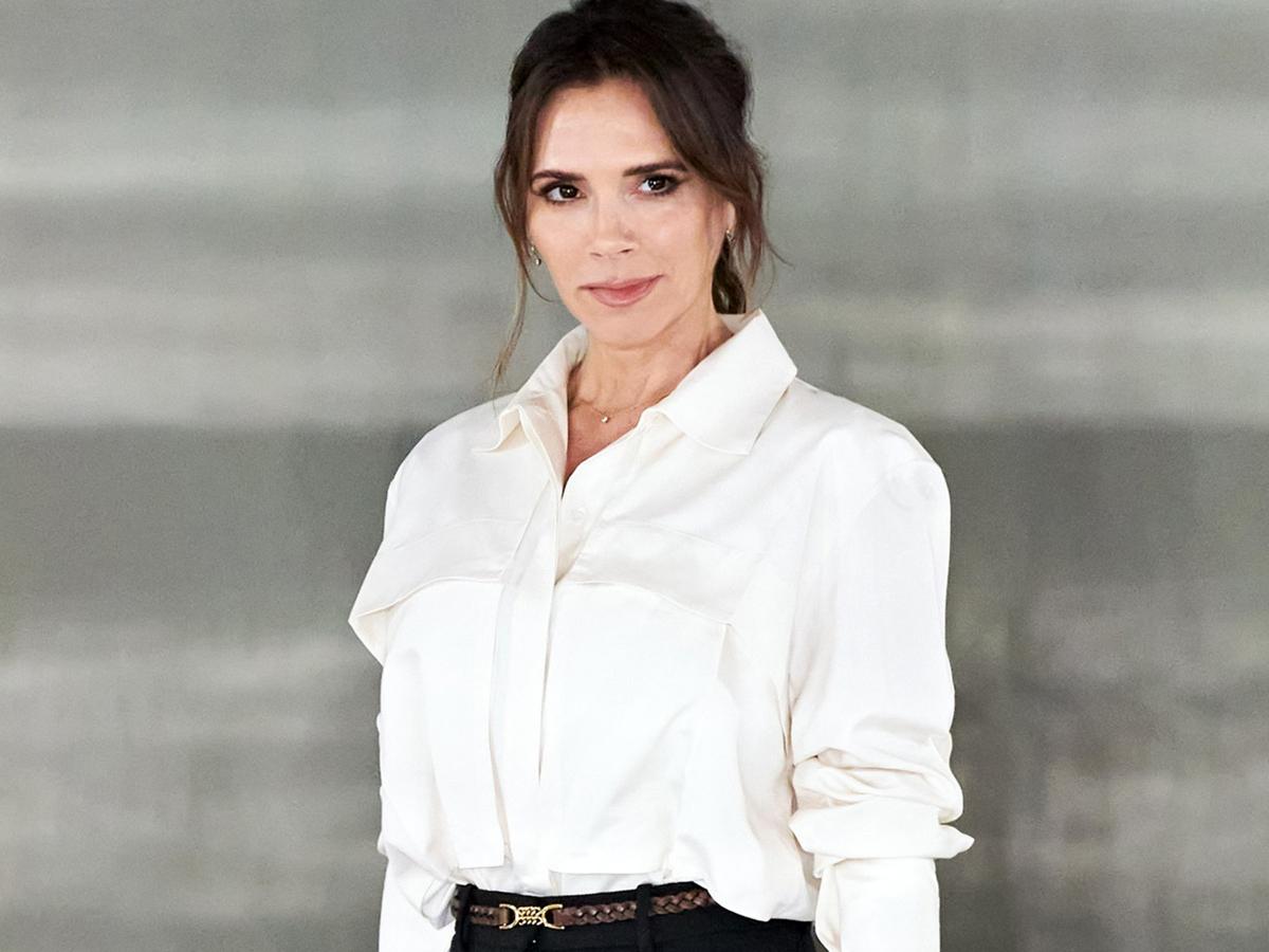 Η Victoria Beckham σου δείχνει το denim trend του μέλλοντος