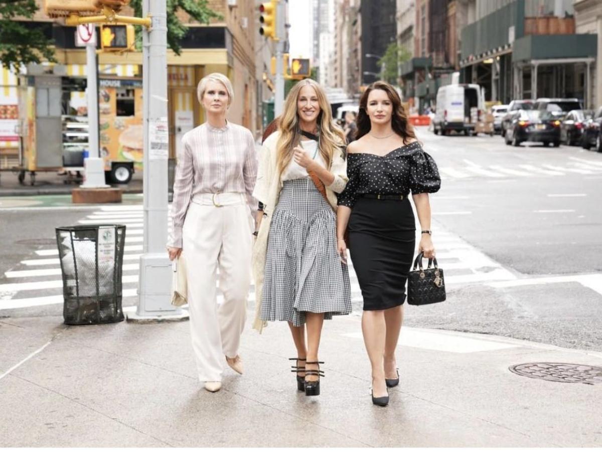 Sex and the City: Σε αυτόν τον λογαριασμό θα βρεις όλα τα fashion item από τα νέα επεισόδια